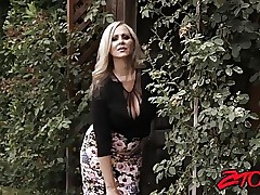 Julia Ann porno videos milfs sex